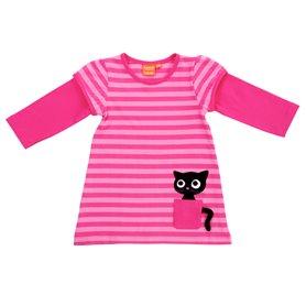 Cerise klänning med katt i fickan.